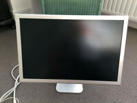 "Apple Cinema Display A1081 - Aluminium - 20"" TFT LCD Monitor - 1680 x 1050"