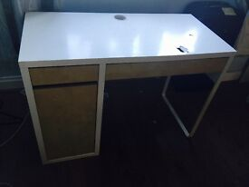 Computer table for sale £10