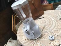 Cookworks blender white 1.5L used one time fully working £10