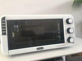 De'Longhi EO12012.W Mini Oven, White countertop oven