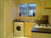 Beautiful 3 bedroom + living room, first floor flat in Ilford (LARGE SIZE) *Private Landlord*