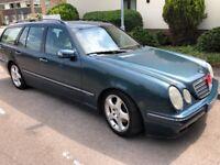 Mercedes E320 TD CDI Elegance 3226cc Turbo Diesel Automatic 5 door Estate 02 Plate 23/04/2002 Green