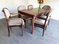 dark oak dinning room table + 6 chairs