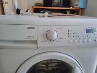Zanussi washing machine 6kg clean & very good condition