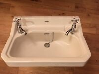 White Shanks bathroom sink