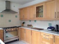 ROOM AVAILABLE-PERFECT FOR A STUDENT-FULLY FURNISHED-AVAILABLE TO VIEW NOW-ONLY £70per week