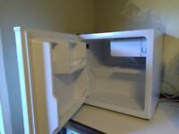 Small counter top fridge, excellent condition, only 18mts old, £60