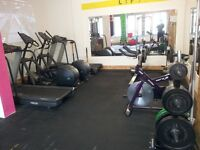 CLOSING DOWN GYM SALE 07908298806