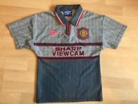 Boys rare Manchester United football shirt umbro
