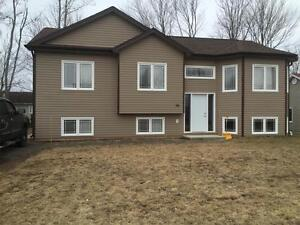 94 HERMAN - BEAUTIFUL HOME IN DIEPPE - LARGE 3 BED - ALL...