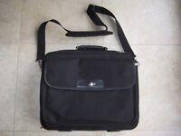 TARGUS LAPTOP BAG NOTEBOOK CARRY CASE - HANDLE AND SHOULDER STRAP - BLACK