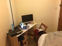 1 bedroom in Claremont street.