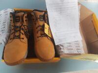 New Dewalt Safety Boots size 11