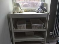 2nd hand baby changing table Mama and Papas