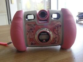 VTECH KIDIZOOM CAMERA WITH CARRY CASE