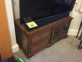 Tv cabinet wood medium oak. 100cm wide.