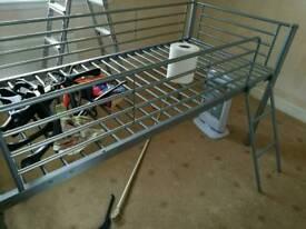 Single mid bunk bed