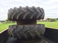 Tractor dual tyres