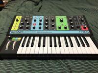Moog Grandmother - Semi Modular Analogue Synth