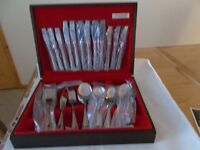 Cutlery Set - 72 Piece New Vintage Oneida Community Silver Plate 6 Person 'Patrician Bead'