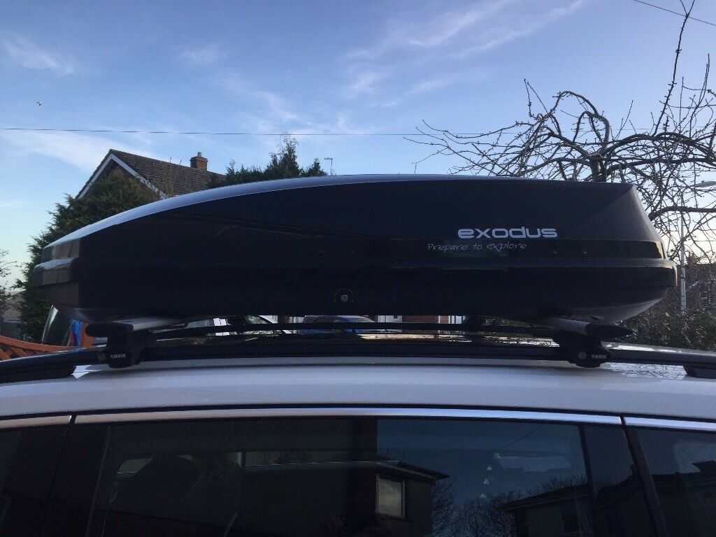 Halfords Exodus 470l Roofbox With Thule Aero Bars And