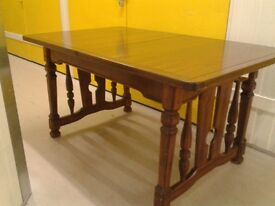 High quality dining table,solid oak,extendable,145-190cm,very stable & heavy,no chairs