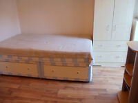 Marvellous Studio Flat. Bills included Own: Kitchen bathroom and garden Turnpike Lane Wood Green N22