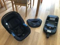 Silvercross Simplicity car seat with isofix base