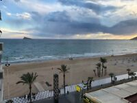Benidorm. Spacious beachfront apartment with impressive sea view