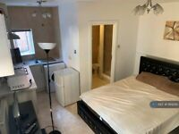 1 bedroom in Commercial Road, London , E1 (#1169295)