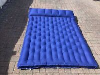 2 inflatable double mattresses