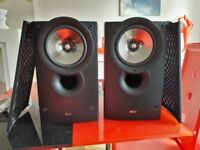 KEF IQ30 in very good condition and with original box