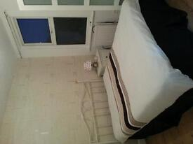 Double room to rent £140 weekly