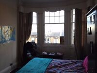 Large Double Bedroom in a Fantastic Location!