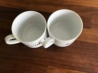 2 pairs of coffee cups - whitw