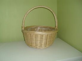 Large strong round basket with plastic lining 42cm diameter