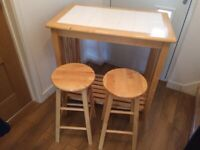 Kitchen bar / table with two stools