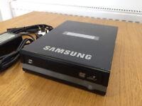 External DVD Writer Model SE-S224