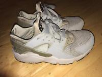 Nike grey huaraches