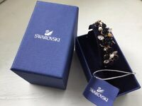 SWAROVSKI ROSE GOLD BRACELET BANGLE FLORAL FLOWER BLACK ROSES NEW IN BOX RRP £150 RARE