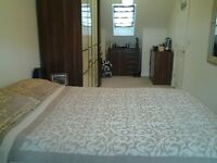 Very large double room in 5 bed town house.