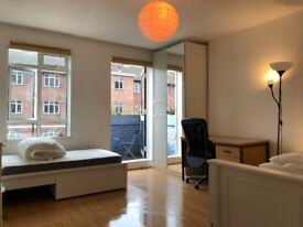 R you 2 friend looking to SHARE the room and the Costs to divide? Call Us Now1 Elephant & Castle