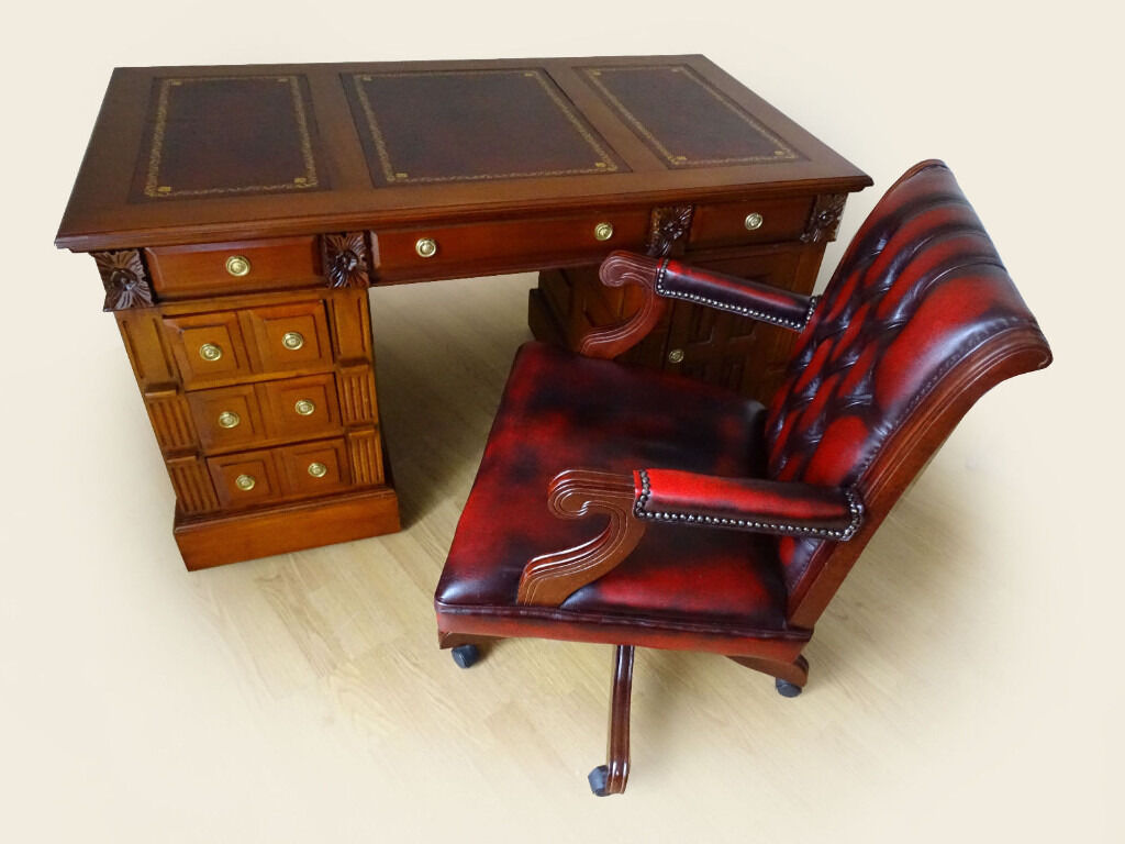 4 5 Ft X 2 5ft Carved Solid Wood New Leather Top Desk Captains Chair Excellent