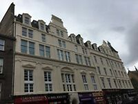 One double bedroom with ensuite for rent in fully furnished Dundee city centre flat.