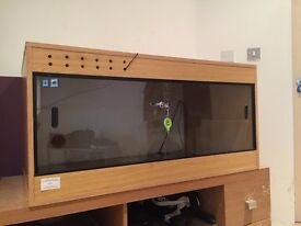 Vivarium & all equipment for reptile - (4ft x 2ft x 2ft)