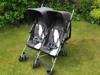 MacLaren Twin Triumph Buggy + rain cover + travel bag