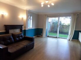 VERY LARGE DOUBLE ROOM TO RENT £695P/M SINGLE PROFESSIONAL,BILLS INC, NEAR FARN TRAINS STATIONS & M3