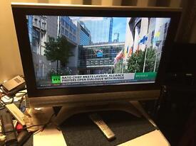 "Sharp 32"" LCD hd freeweiw tv for sale"
