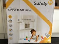 Safety 1st Pressure Fit Metal Safety Gate - New