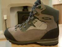 WOMEN'S MEINDL GORE-TEX HIKING/WALKING BOOTS - SIZE 4